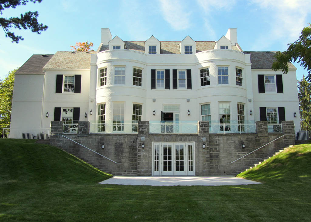 15  Holcim Waterfront Estate - Manor House Exterior - South Elevationm 5x7