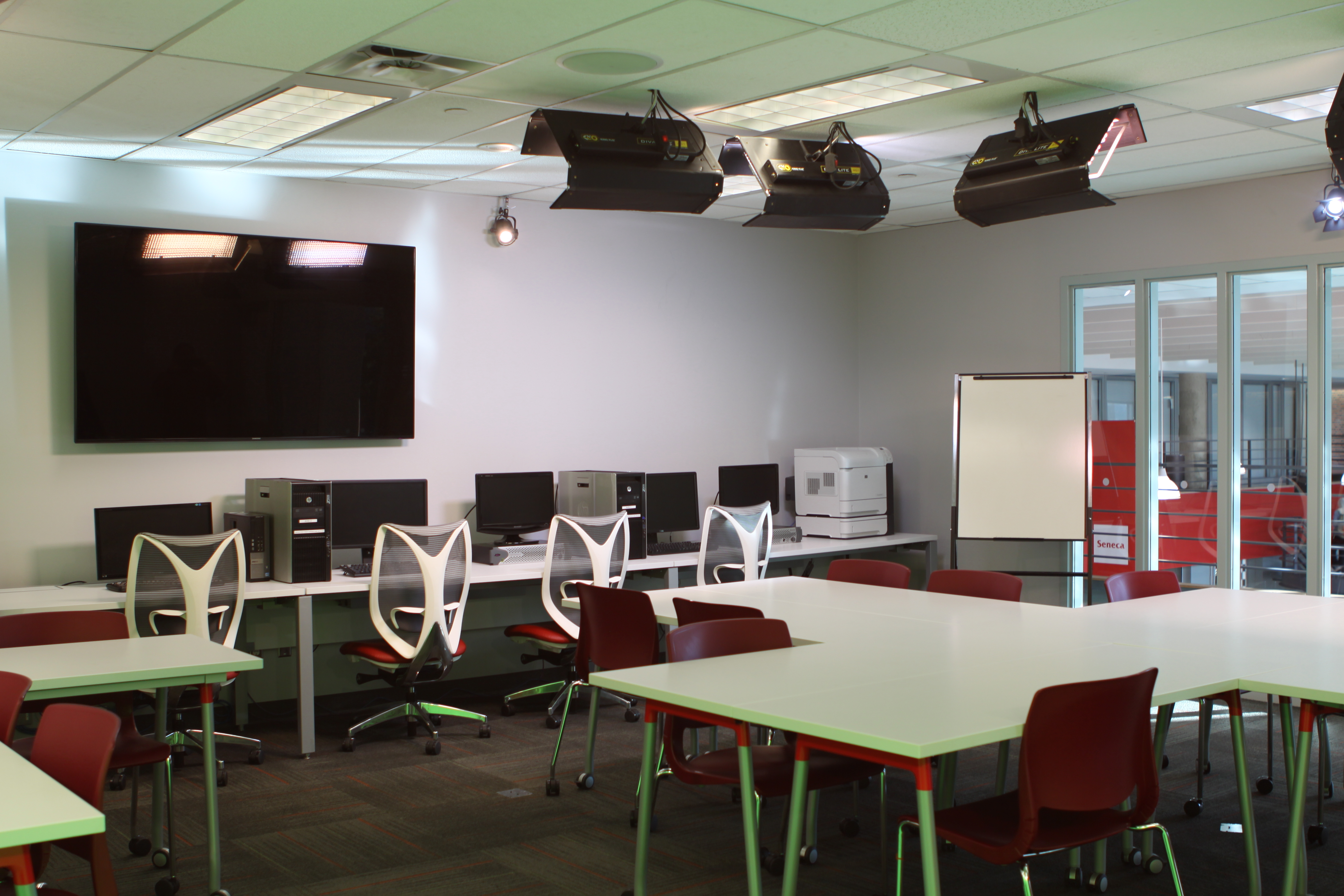 Seneca College @ York University School of Media, Faculty of Communication, Art and Design Classroom